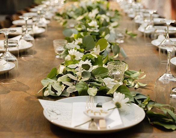 Stół zposiłkami weselnymi 3